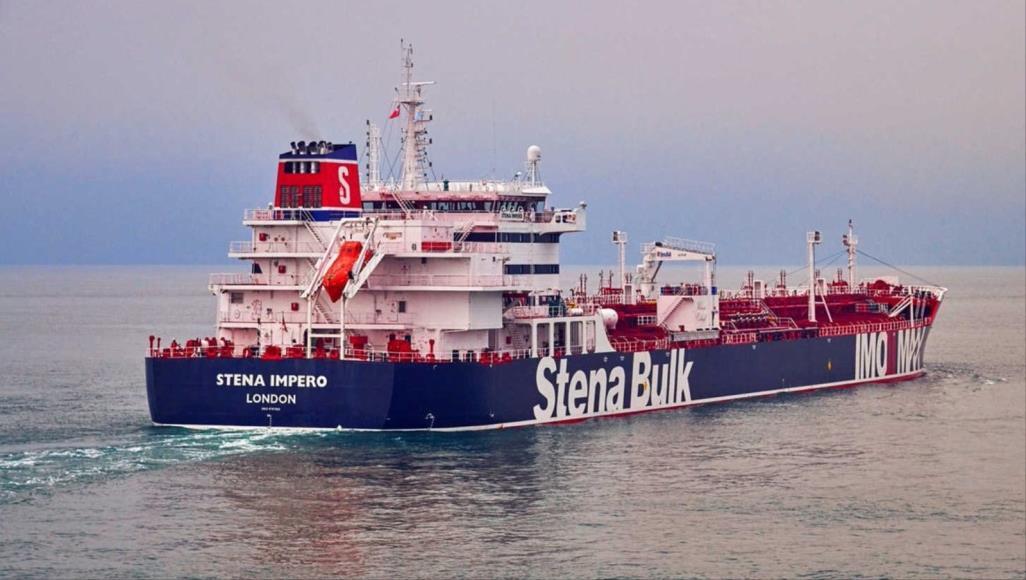 مستشار ترمب هو من ورط بريطانيا ..وأزمة السفن أول اختبار للقائد الجديد