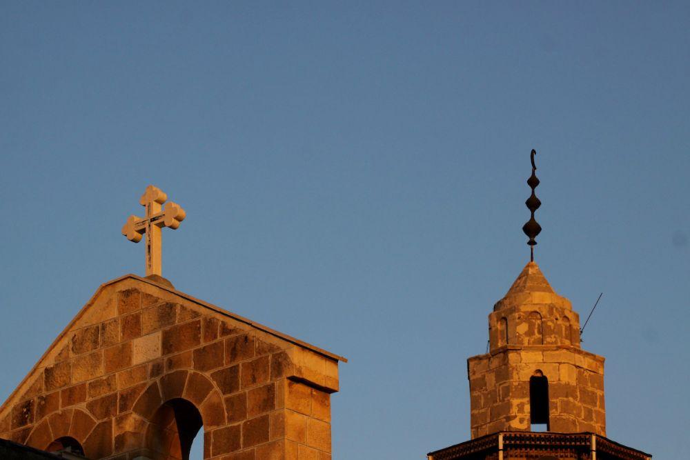 بريطانيا : العلمانية تتزايد بقوة وتراجع كبير في شعبية الأديان