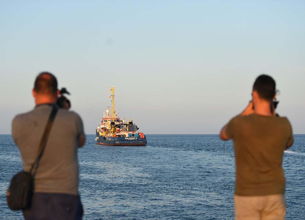 أوروبا تزود المغرب بمركبات مضادة للهجرة