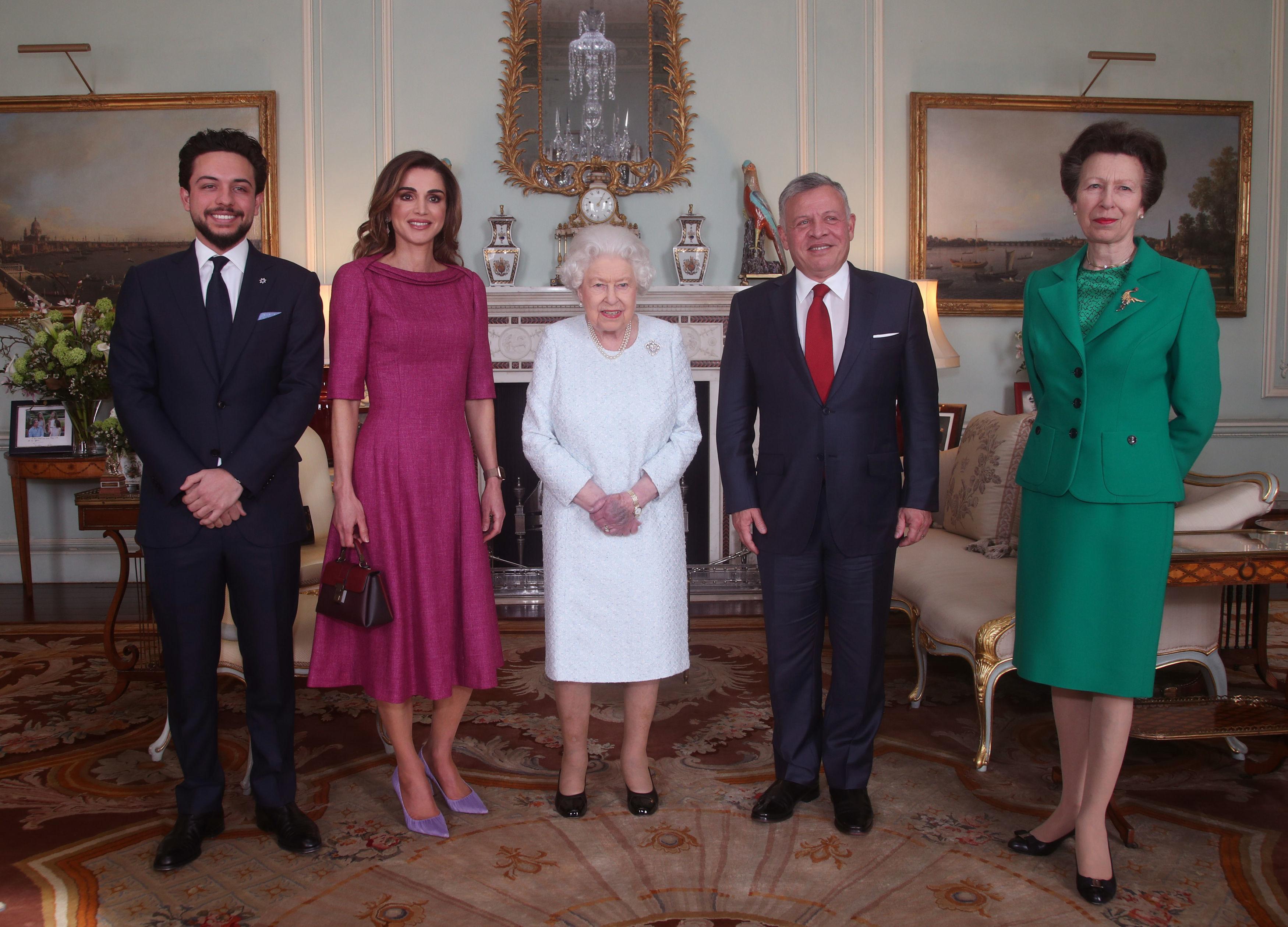 ملك الأردن يقضي عطلة العيد في بريطانيا،هل سيلتقي شقيقته الأميرة هيا؟