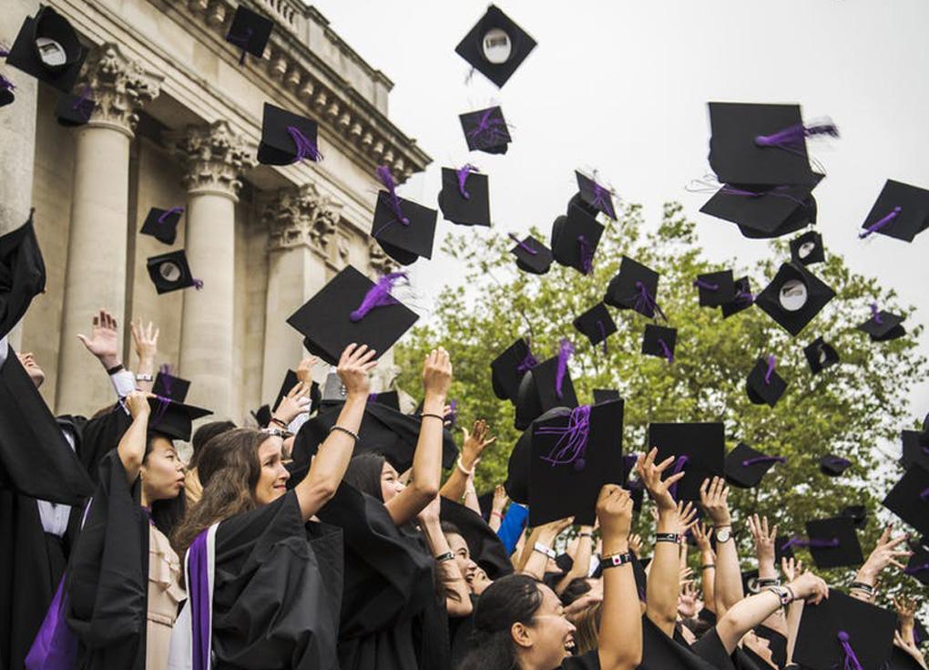 محتالو التأشيرات يستهدفون الطلاب الأجانب في بريطانيا