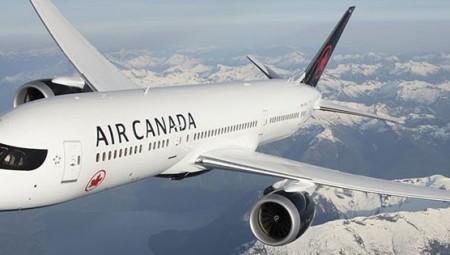 شركة الطيران الكندية ستسرح أكثر من نصف موظفيها