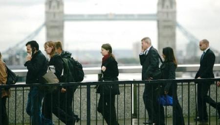 بريطانيا.. الحكومة تلزم أصحاب الأعمال بتغطية 30 بالمائة من أجور المتوقفين عن العمل