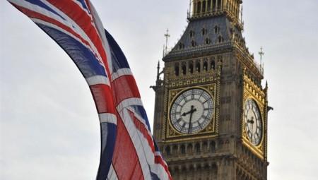 طبيب سوري في المملكة المتحدة يمنح الإقامة لمدة 5 سنوات.. تعرفوا على السبب