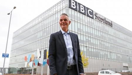 بي بي سي ستصرف أي صحافي لا يلتزم الحيادية عبر السوشل ميديا