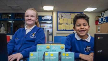 مدارس بريطانيا قد لا تمتلك أجهزة لاب توب كافية للطلاب هذا العام بسبب كورونا