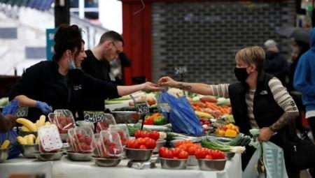بريطانيا تدرس وضع قوانين جديدة لشراء السلع