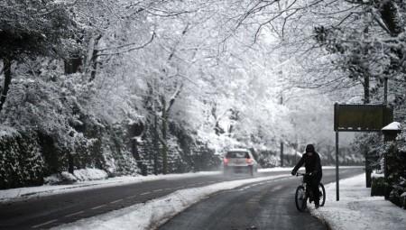 تحذيرات من الثلوج والجليد في أجزاء من المملكة المتحدة