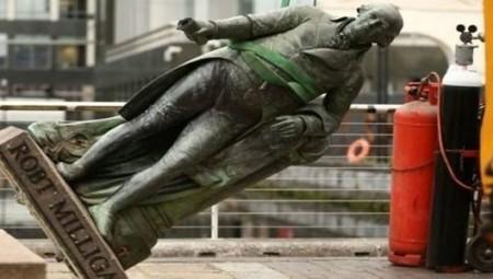 قانون جديد في بريطانيا يمنع إزالة التماثيل دون إذن مسبق