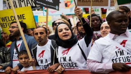 تخفيض حد الرواتب الأدنى للمهاجرين إلى بريطانيا