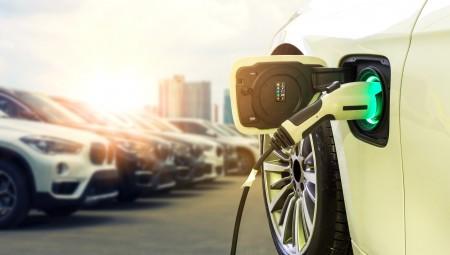 دراسة: البريطانيون مهتمون بالاستفادة من خدمة توفير الشركات سيارات لموظفيها شرط أن تكون كهربائية