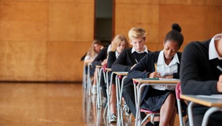 هل قرار إغلاق المدارس يحد من انتشار كورونا؟… دراسة تفيد بعكس ذلك