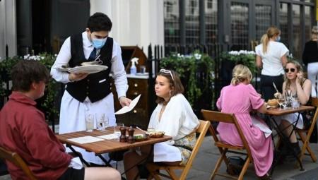 تطبيق بريطاني يعلمك بافتتاح المطاعم والحانات القريبة من منطقتك