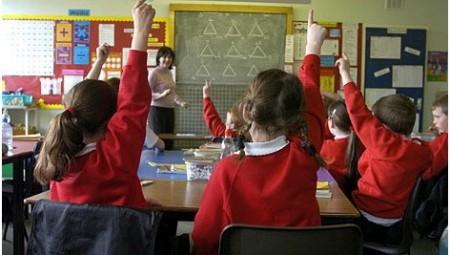 غضب من بعض المدارس الخاصة ببريطانيا التي تطب حضور الطلاب