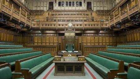 مجلس العموم يعقد اجتماعا إلكترونيا لأول مرة منذ 700 عام