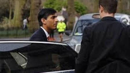 وزير الخزانة: ربع الأعمال في بريطانيا توقفت عن العمل