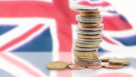 اقتصاد بريطانيا قد يواجه عجزًا بالميزانية بنسبة 5% بحلول 2024