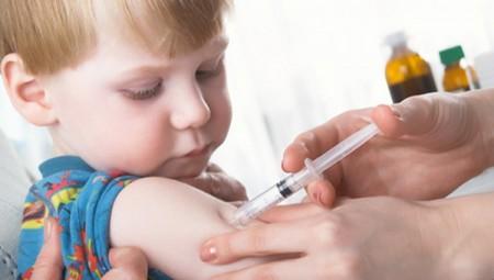 تعليق التطعيمات.. خطر يواجه 80 طفل في العالم