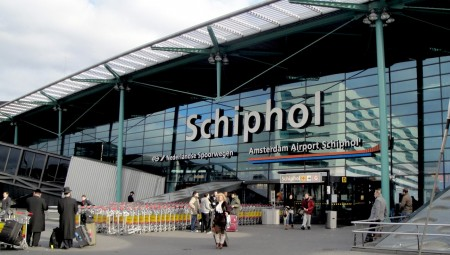 هولندا.. حظر جميع الرحلات الجوية القادمة من بريطانيا بسبب الفيروس الجديد