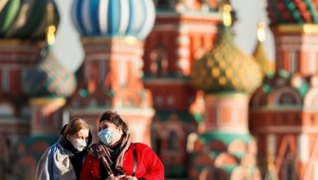 خبراء روس يرصدون أكثر من 1420 سلالة لفيروس كورونا المستجد في البلاد