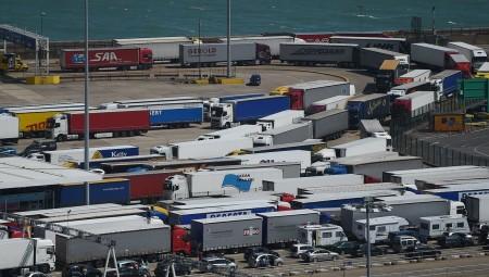 استئناف حركة نقل المسافرين في مرفأ كاليه الفرنسي
