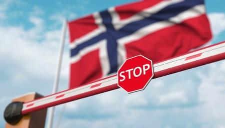 النرويج تقرر تشديد القيود لمواجهة موجة جديدة من كورونا