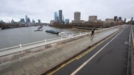 بالفيديو.. الإغلاق يحول لندن إلى مدينة أشباح