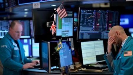 كورونا يكبد بورصة لندن خسائر فادحة