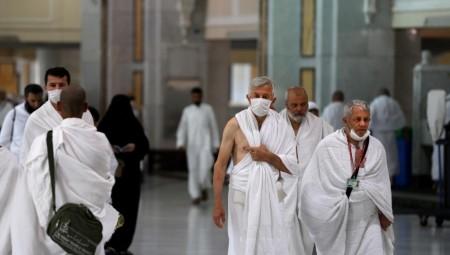 كورونا قد يجبر السعودية على إلغاء الحج