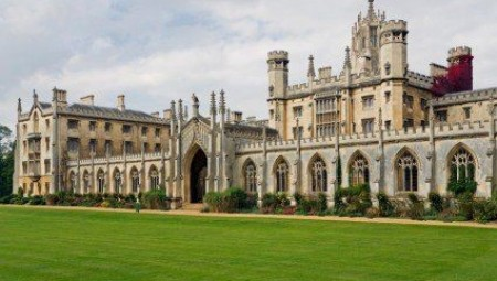 افضل جامعات بريطانيا وعوامل قبول الطلاب الدوليين