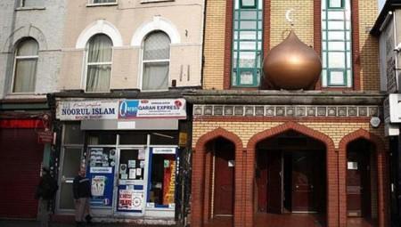 المجلس الإسلامي في بريطانيا ينتقد عدم وضوح خطة الحكومة لإعادة فتح المساجد