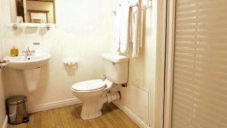 مفاجئة..  فيروس كورونا قد ينتشر من المرحاض