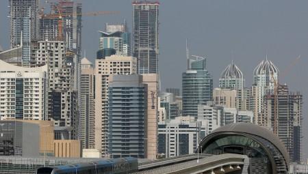 العمالة البريطانية في دبي تبيع ممتلكاتها تحضيرا للعودة للبلاد