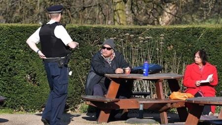 شرطة إنجلترا أصدرت أكثر من 18,000 مخالفة منذ بداية الإغلاق