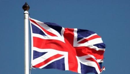 بريطانيا تعيد فرض قيود كورونا في مانشستر