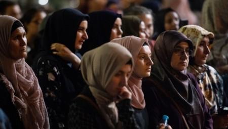 مسلمات أستراليا يتطوعن لإعداد الطعام للمستضعفين خلال فترة الإغلاق