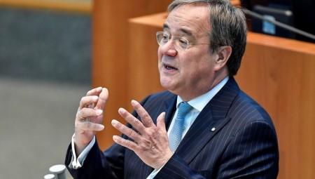 مرشح للمستشارية الألمانية يرفض حظر النقاب