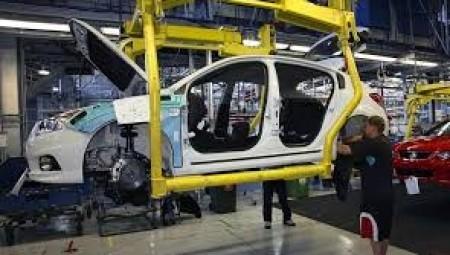 إنتاج السيارات في بريطانيا يستمر في التراجع