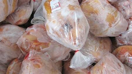 اكتشاف فيروس كورونا في قطع دجاج مجمد