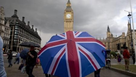 ديون بريطانيا تتجاوز 100 في المائة من حجم الاقتصاد لأول مرة منذ سنة 1963