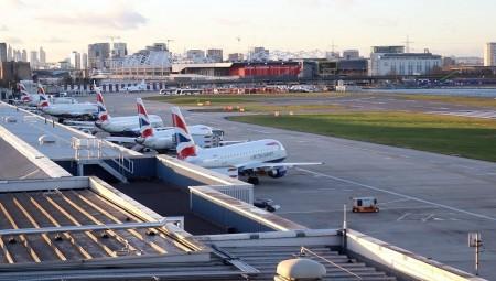 مطار لندن سيتي يستأنف نشاطه اليوم والمملكة المتحدة تتجه نحو رفع كامل للإغلاق