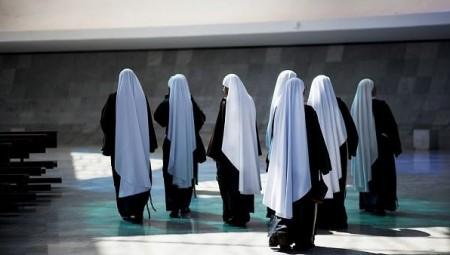 وفاة 13 راهبة في دير بالولايات المتحدة بعد إصابتهن بفيروس كورونا