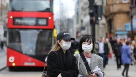 بريطانيا تسجل آلاف الإصابات الجديدة بكورونا في أكبر قفزة يومية