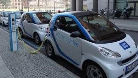 نصف سكان بريطانيا ستكون سياراتهم المستقبلية كهربائية