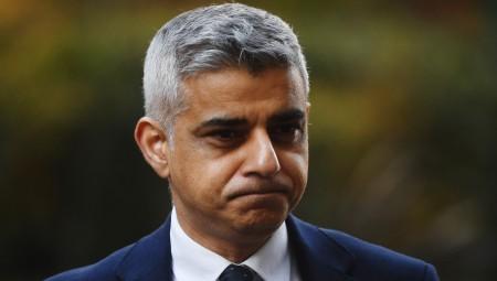 عمدة لندن: القيود الجديدة تتضمن فرض ارتداء قناع الوجه في أماكن أكثر في لندن