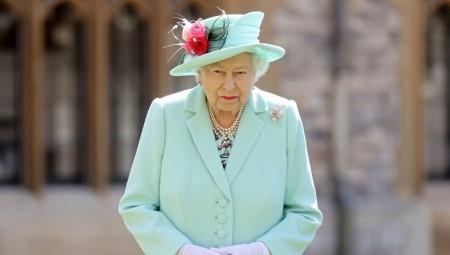 العائلة الملكية البريطانية تعاني من عجز مالي ضخم