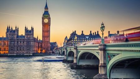 بريطانيا تلزم القادمين من الاتحاد الأوروبي بحمل جواز سفر اعتباراً من أكتوبر 2021