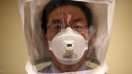 دراسة: فيروس كورونا ينتقل عبر القناع البلاستيكي أو بصمام للتنفس