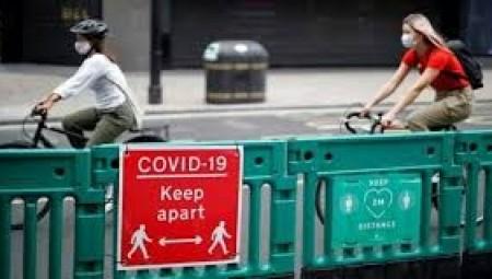 بريطانيا.. ارتداء الكمامة يصبح إجباريا وغرامات مادية للمخالفين