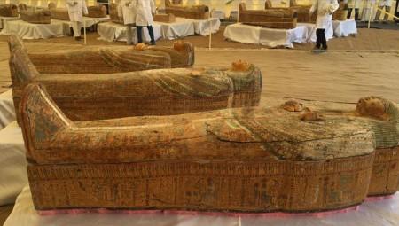 مصر.. اكتشاف 59 تابوتا خشبيا عمرها أكثر من 2500 عام